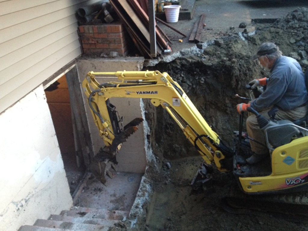 Take out old concrete? Need a sewer line replacement? Dirty Digger Cobble Hill to Nanaimo